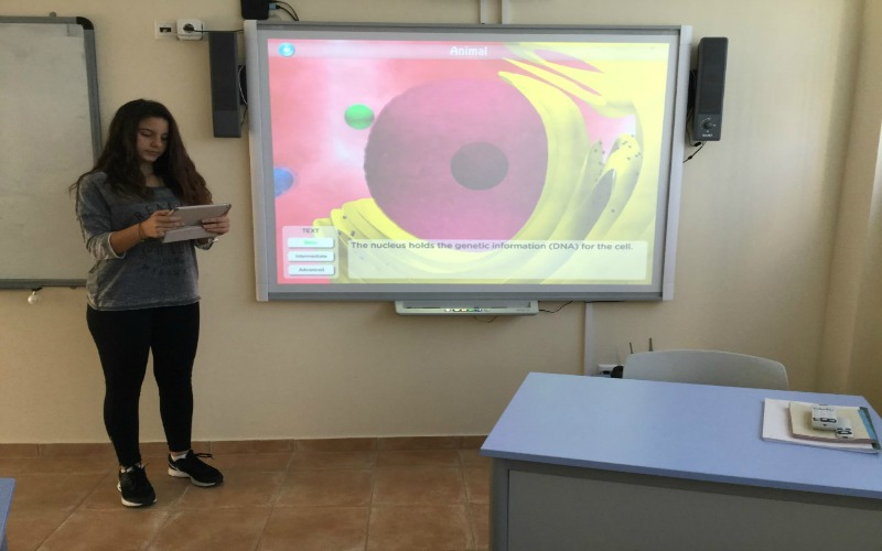 TEACHING BIOLOGY THROUGH ENGLISH - A CLIL APPROACH