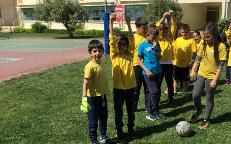 WE LOVE FOOTBALL AND… LEARNING ENGLISH THROUGH FOOTBALL!